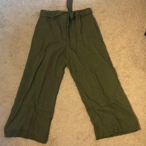 Ann Taylor Wide Leg Cropped Pants